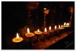 maślane lampki w świątyniGongling